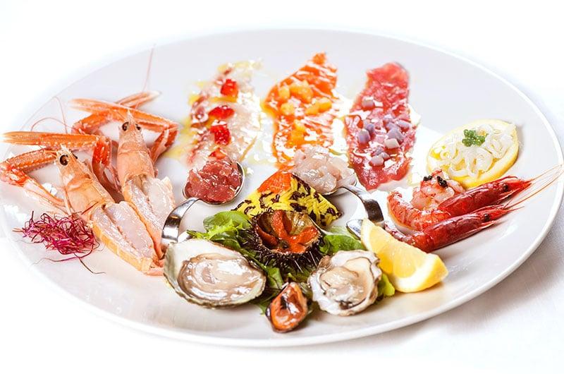 Gran piatto di crudi e frutti di mare